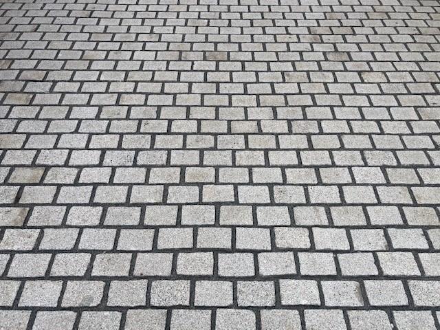 edelpflaster-granit-gesägt-grau