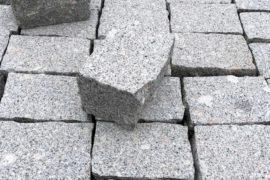 Granit Edel Kleinpflaster 13,5x10x8-10 cm grau