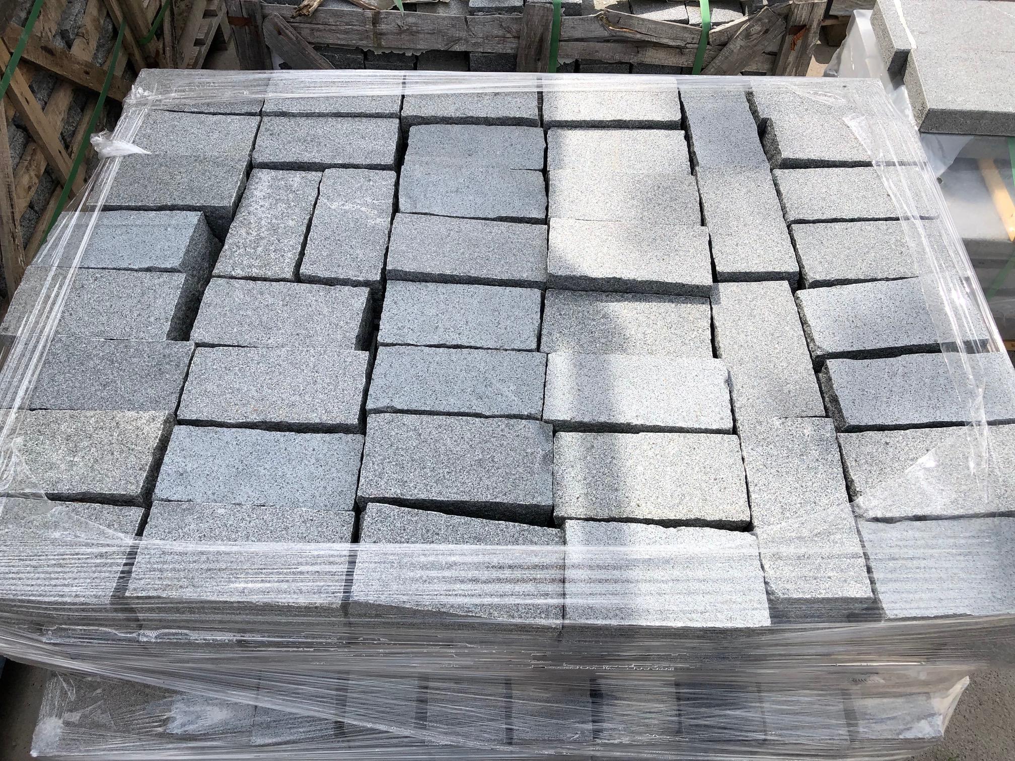 granit-edelkleinsteinpflaster-20x10x8-dunkelgrau