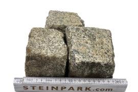Gebrauchtes Granit Kleinpflaster 8-11 cm reihenfähig überwiegend grau