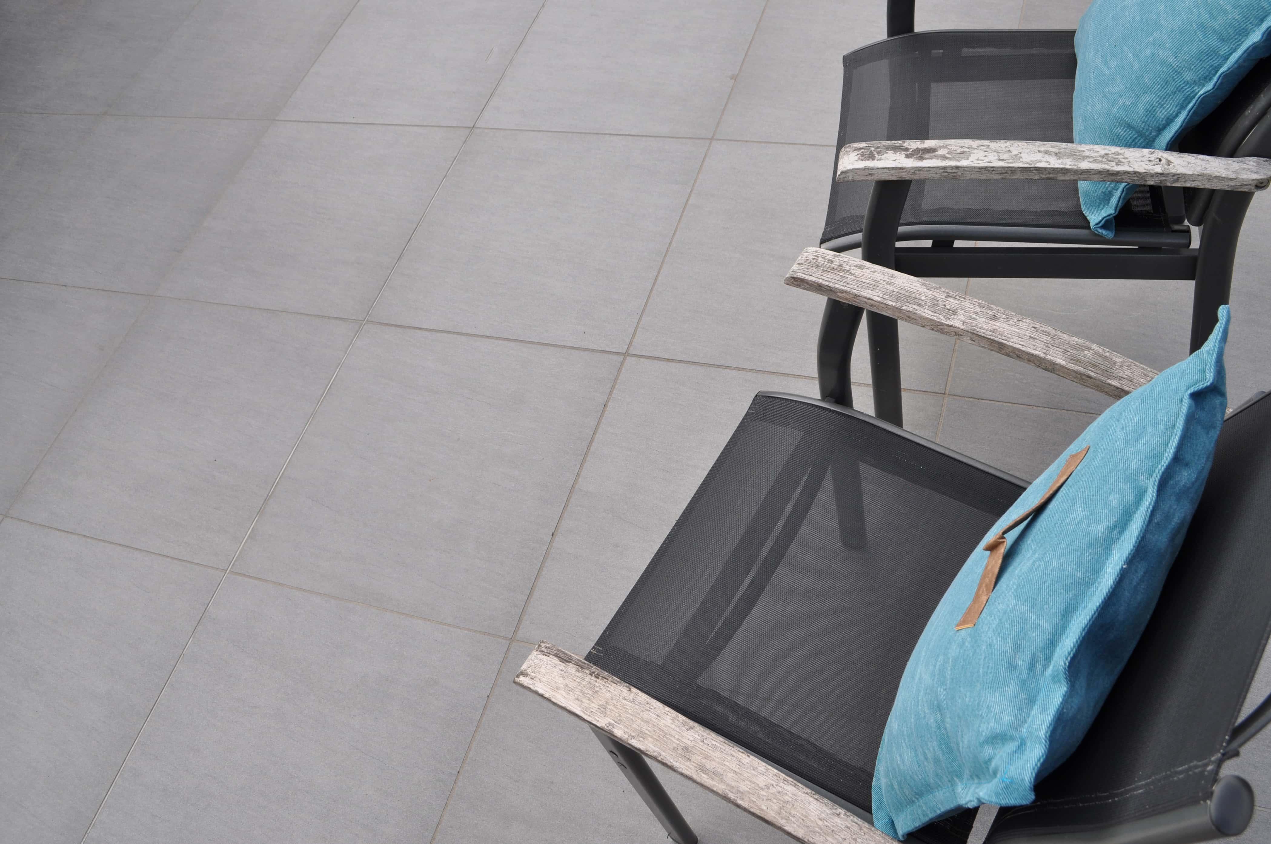 keramik-terrassenplatte-60x60x3-desert-grigio