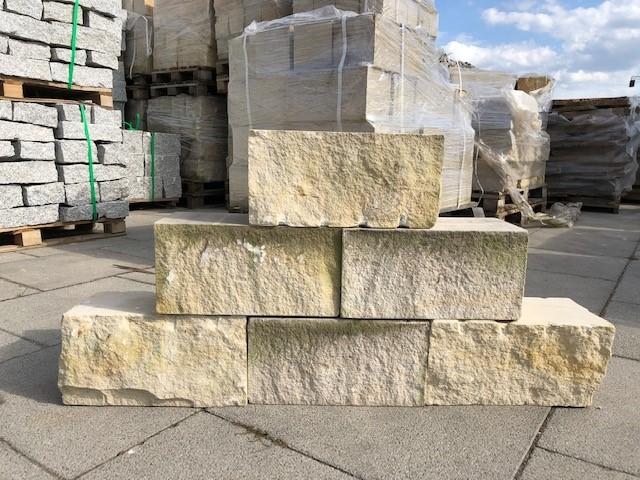 sandmauerstein-4-seitig-gesägt-gelblich