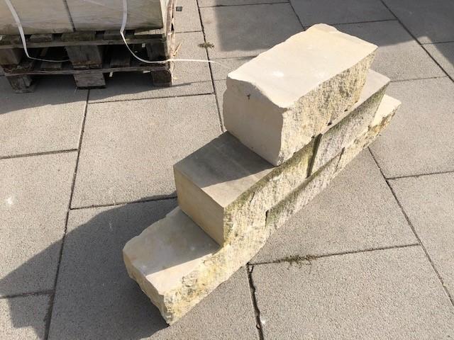 sandmauerstein-4-seitig-gesägt-gelblich2