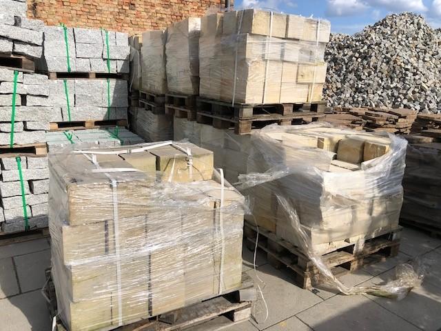 sandmauerstein-4-seitig-gesägt-gelblich3