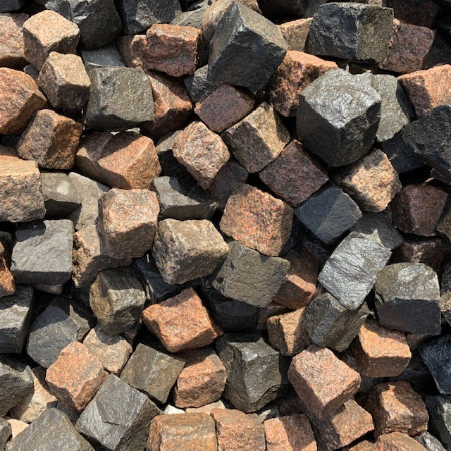 granit-basalt-mosaik-rot-schwarz-gebraucht2