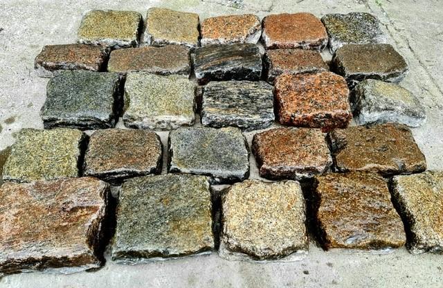 granit-gneis-pflasterplatte-antik-bunt-2,5cm