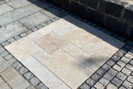 Travertin Terrassenplatte Crema röm. Verband