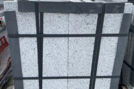 Granit Terrassenplatte 30x60x3 cm hellgrau